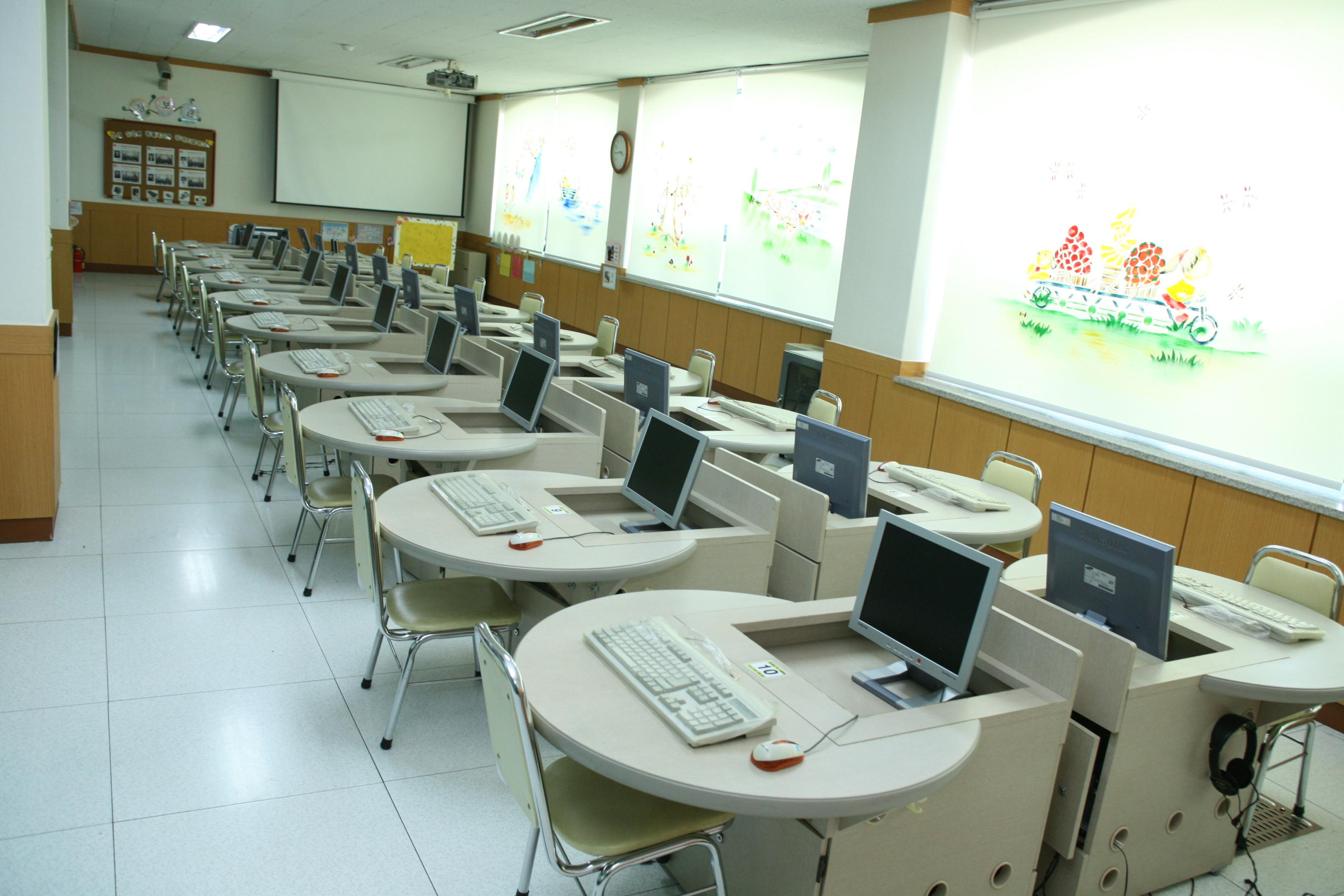 9.컴퓨터실.JPG